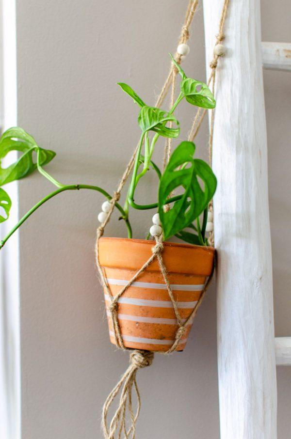 DIY macramé plantenhanger