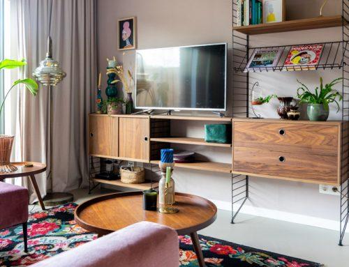 Stylingadvies bij de winnares van de Samsung The Frame QLED tv (+binnenkijken in een kleurrijk vintage interieur)