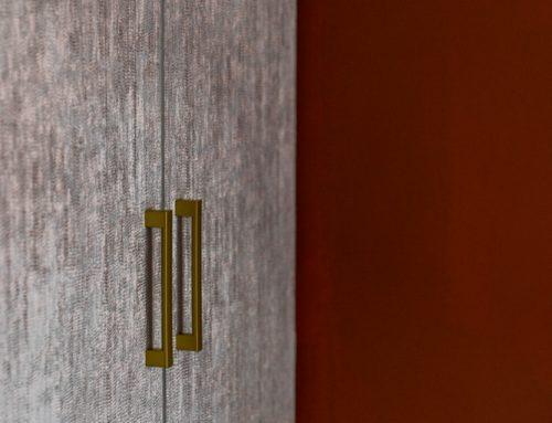 DIY: kledingkast behangen (goud/roze) – slaapkamer make-over deel 1